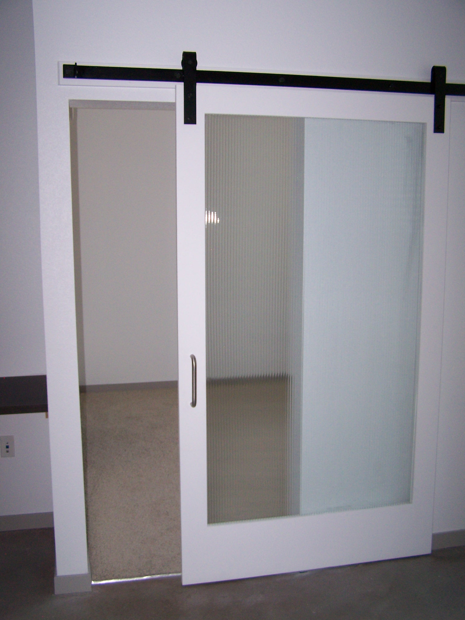 Helpful answers for necessary elements for sliding door har for Barn door screen door